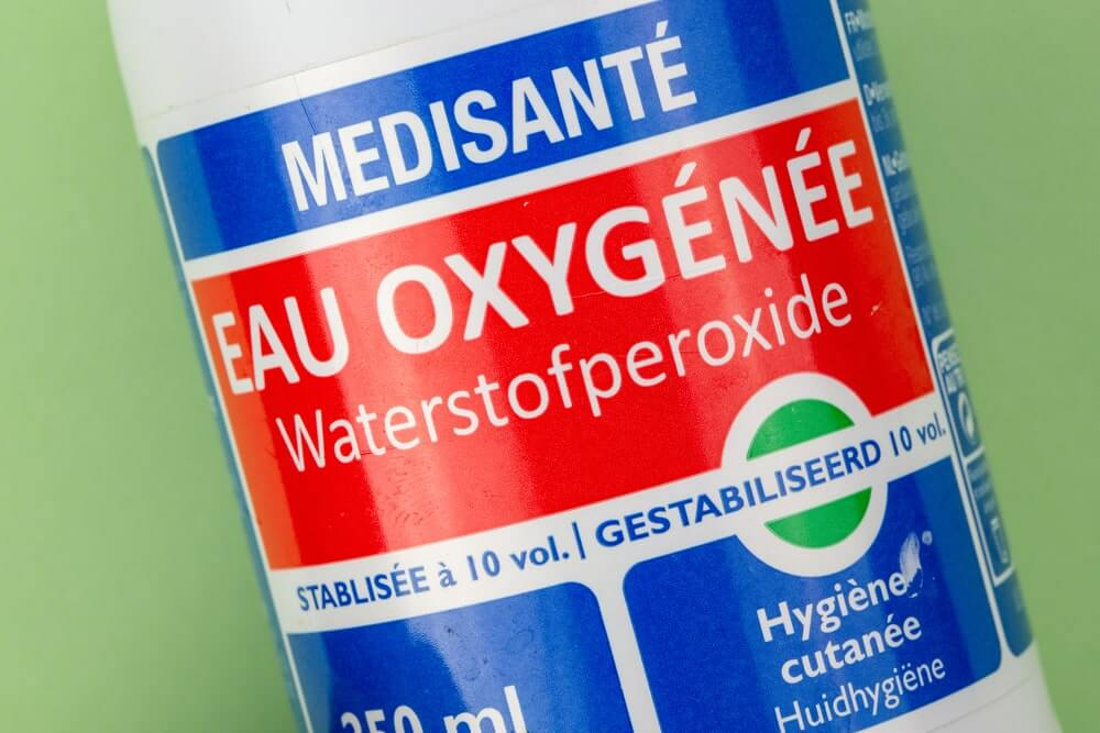 Hydrogen Peroxide Foliar Spray for Growing Cannabis